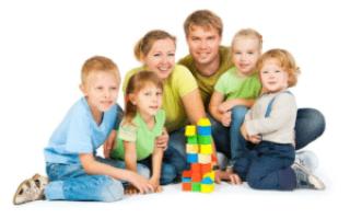 Денежные выплаты и пособия многодетным семьям: размер и как получить